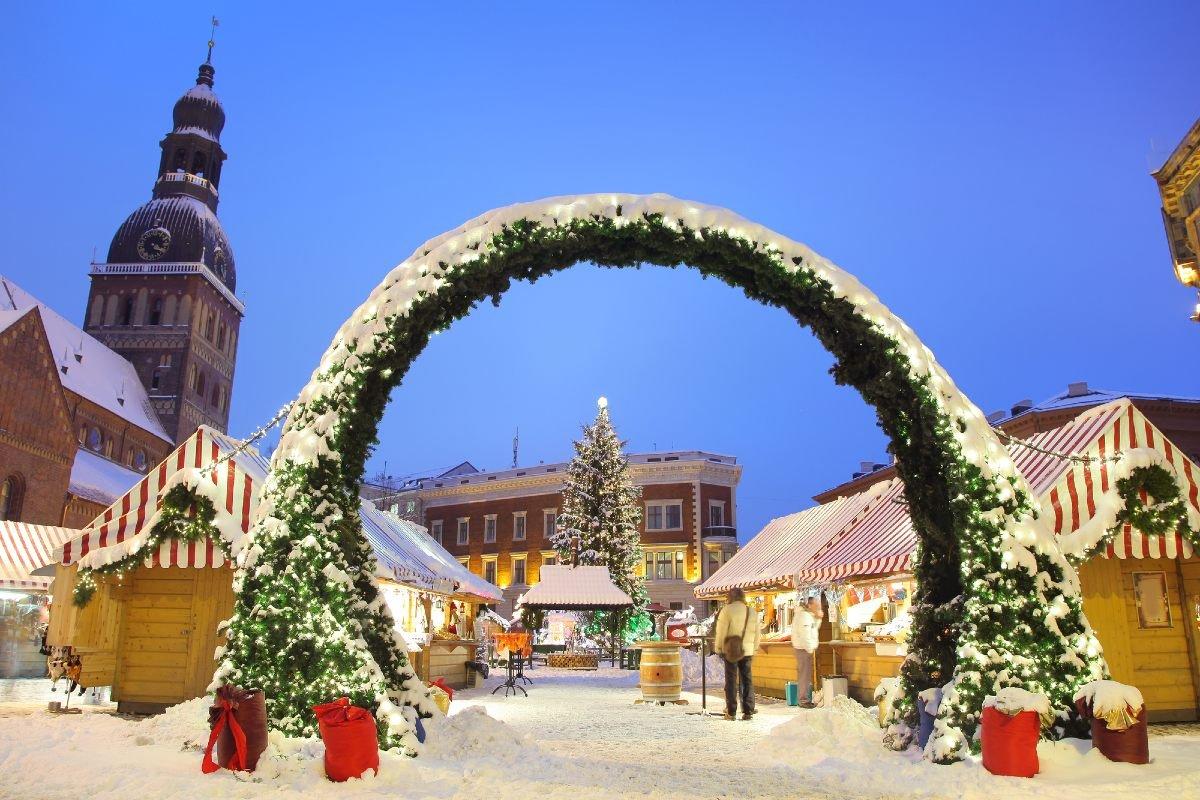 Почему ходят слухи, что COVID-19 похитил европейское Рождество