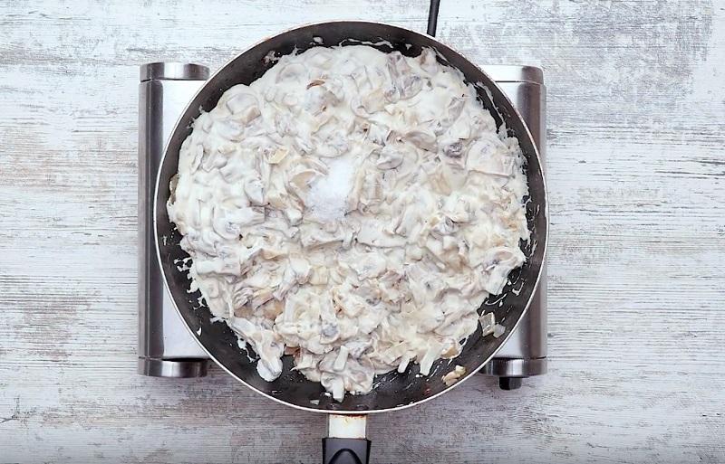 рулет из кабачков и грибов