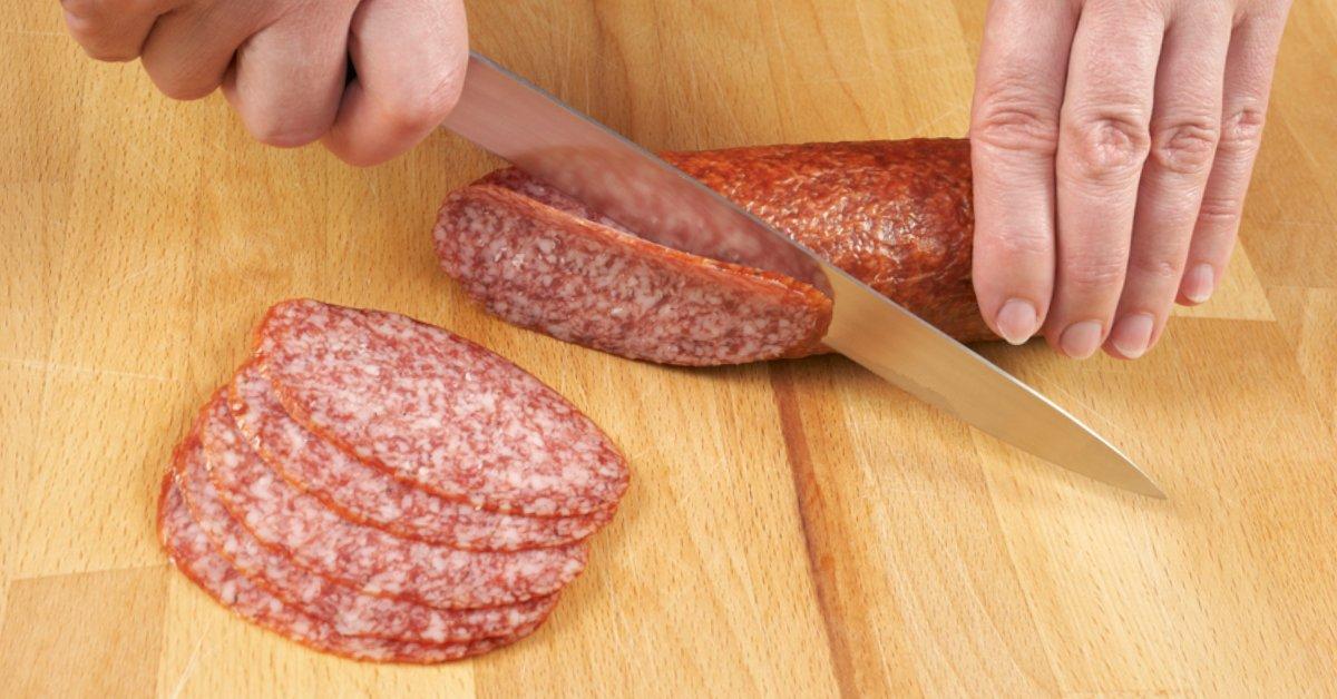 Как приготовить колбасные рулетики thumbnail