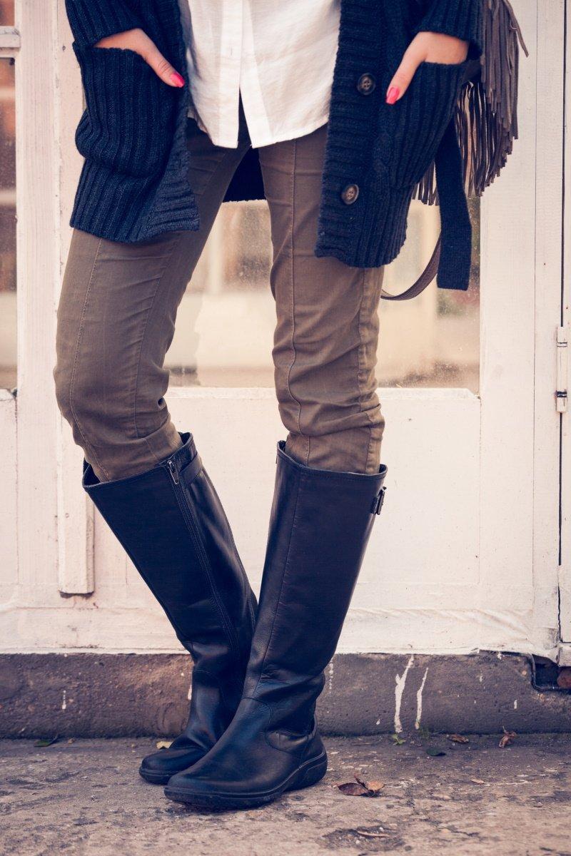 с чем носить сапоги ботфорты на каблуке