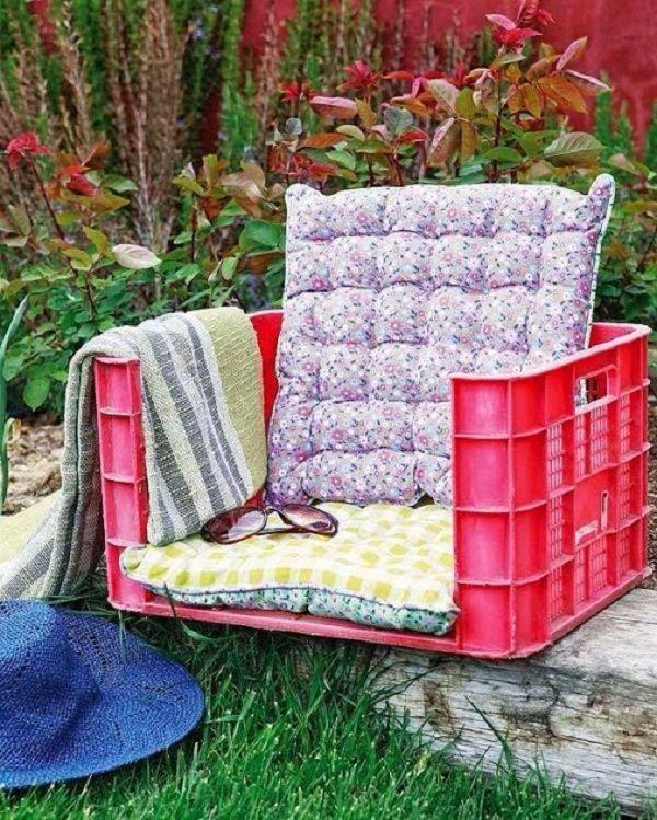 кресло из ящиков