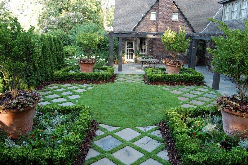 как украсить двор на даче своими руками