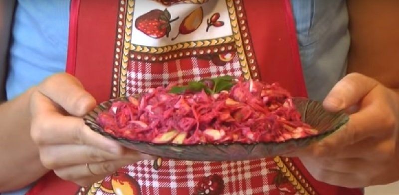 салат с капустой и мясом