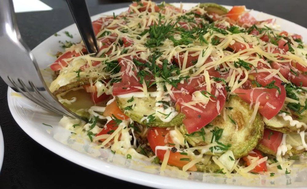 салат из жареных кабачков с майонезом