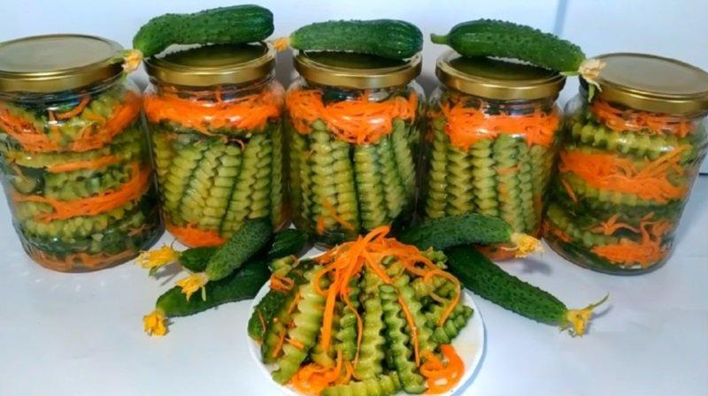 салат на зиму из огурцов и моркови по корейски
