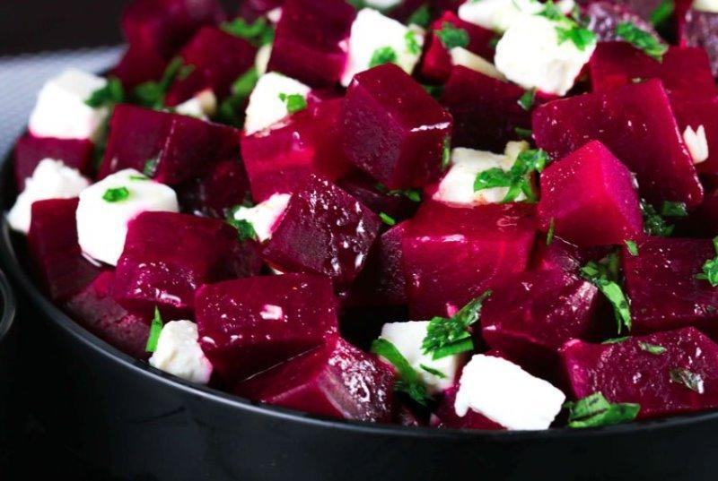 салат из сырой свеклы и капусты