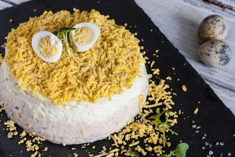 салат курица яйца