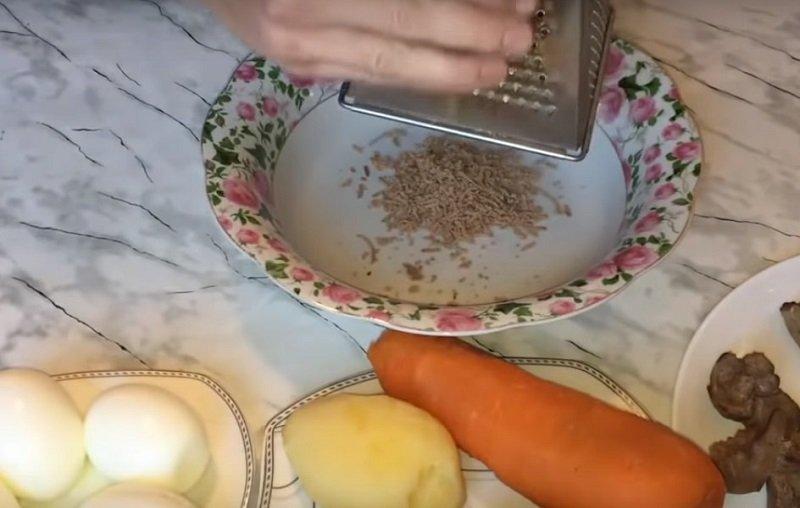 праздничный салат большая ромашка