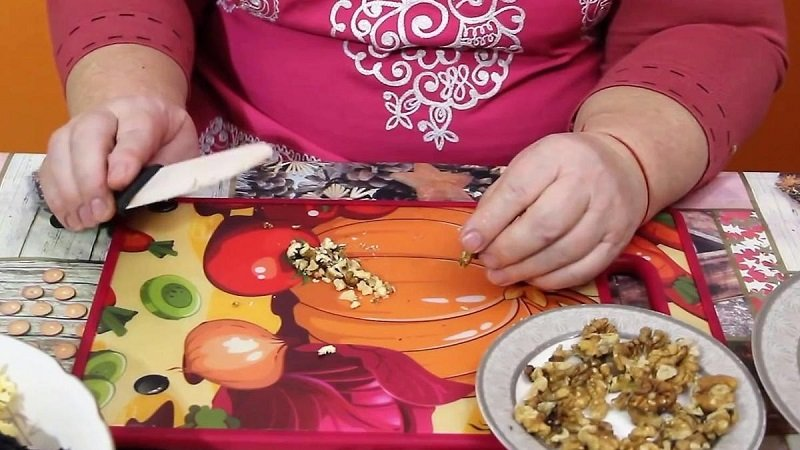 рецепт салата с кукурузой и черносливом