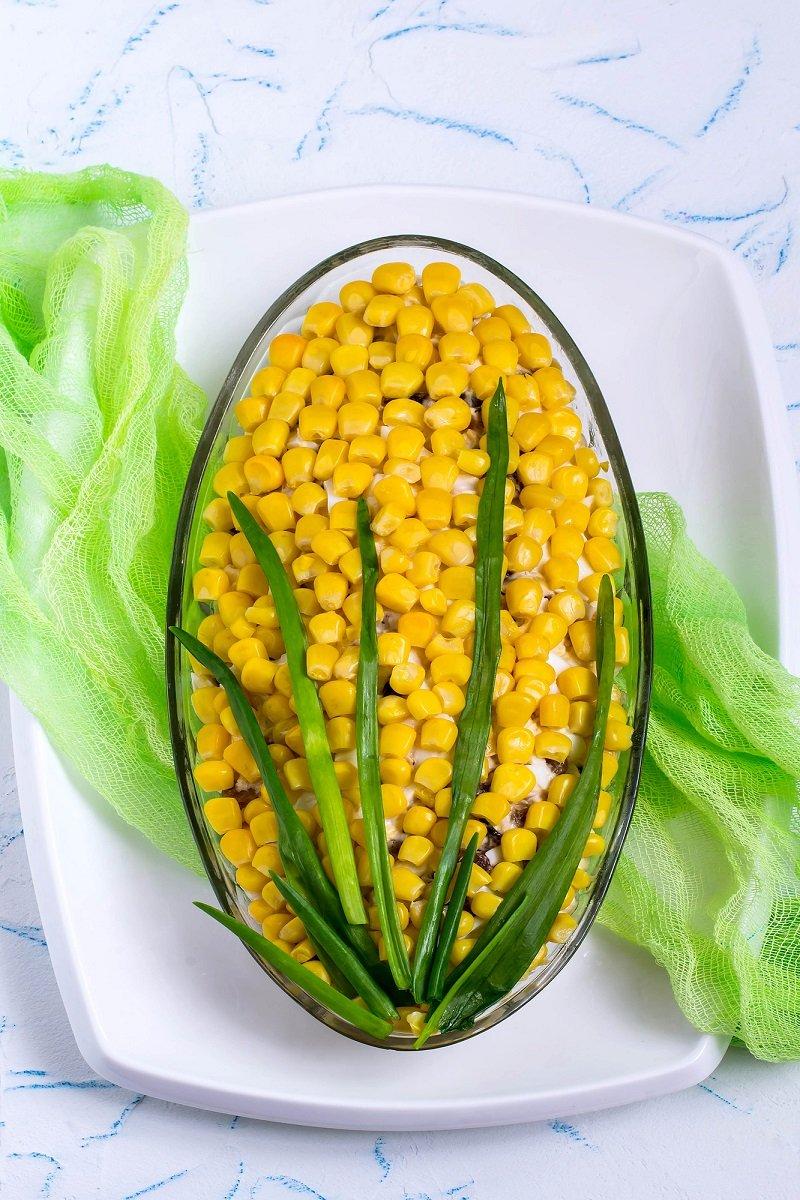 украшение салата в виде кукурузы