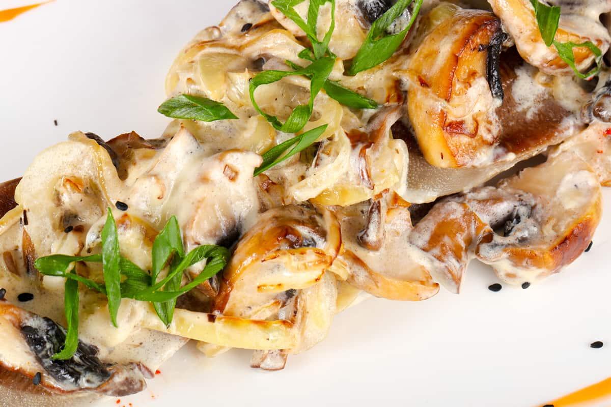 Инструкция по приготовлению салата с говядиной и грибами