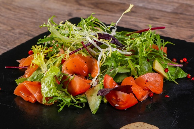 салат с красной рыбой на новый год