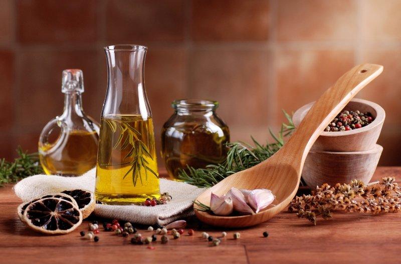 Рецепт салата с сыром и сухариками Кулинария,Еда,Курица,Кухня,Обед,Питание,Праздники,Салат,Сыр