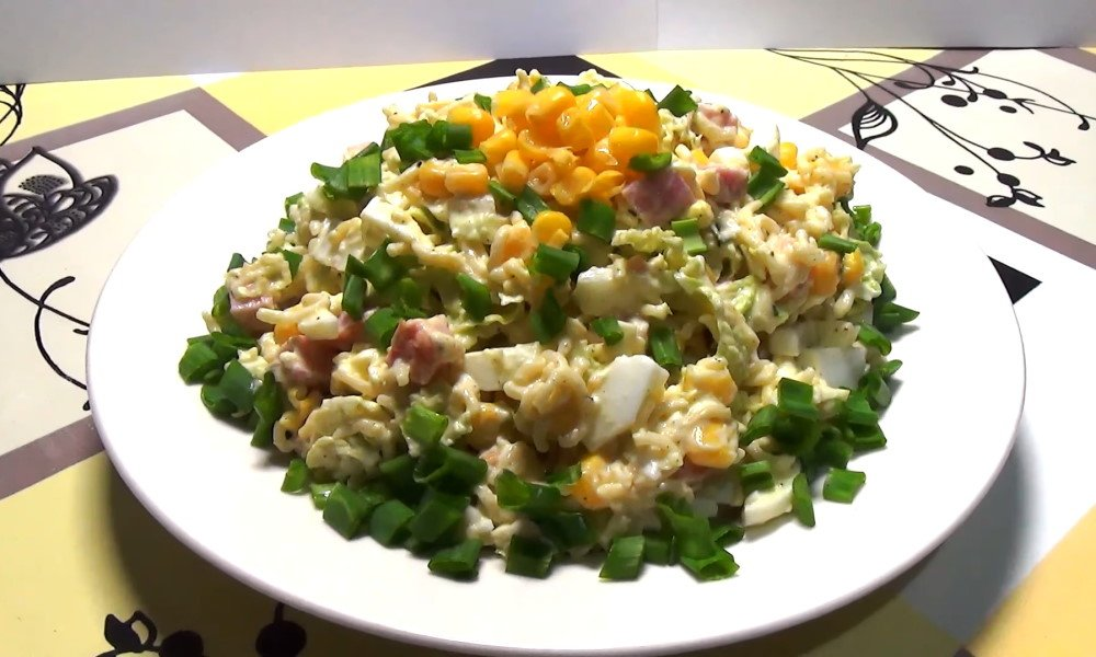 салат с мивиной и плавленым сыром