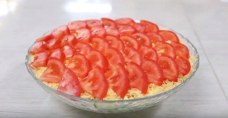 салат баклажаны с яйцом и помидорами