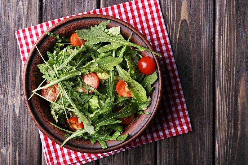 салат огурцы и помидоры