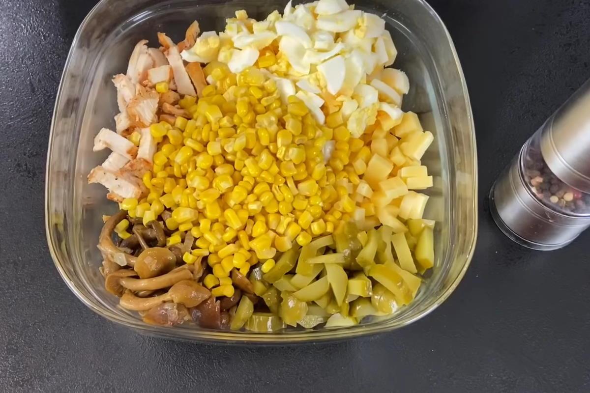 салат с грибами на праздничный стол