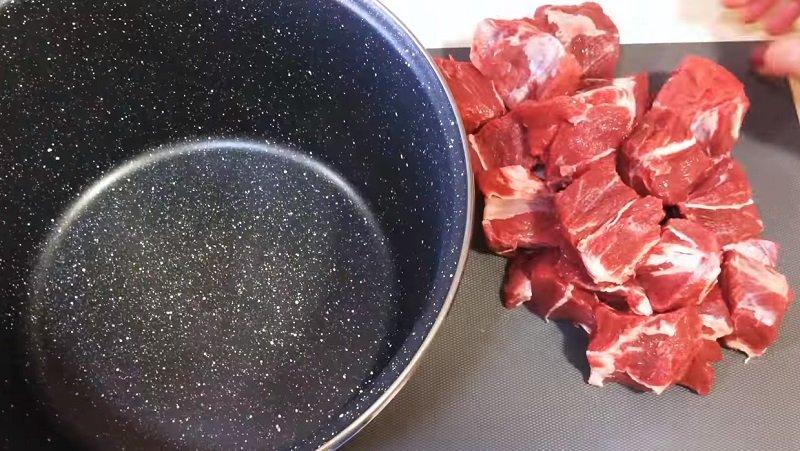 Kremlowskie mięso w powolnej kuchence