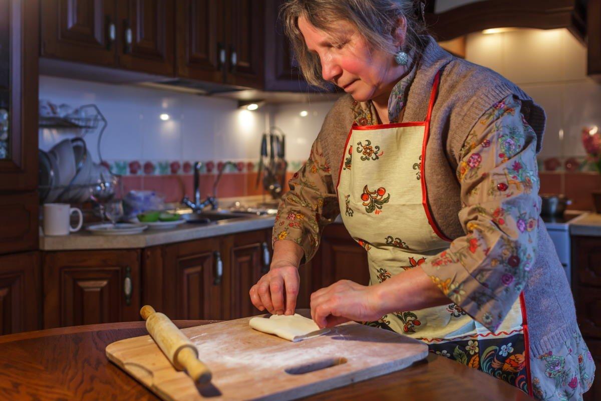 Как школьная учительница 10 лет батрачила кухаркой, обслуживая невестку Вдохновение,Советы,Благодарность,Взаимоотношения,Жизнь,Забота,Мать,Психология,Семья