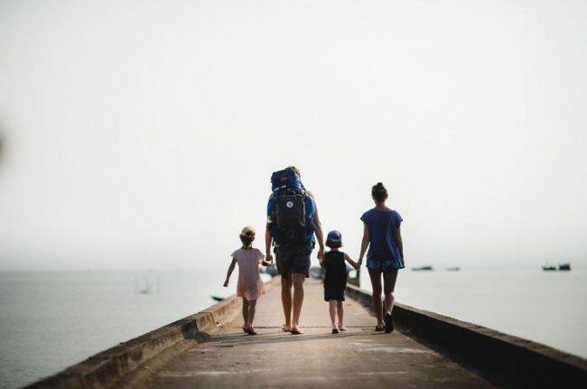 семья путешественников