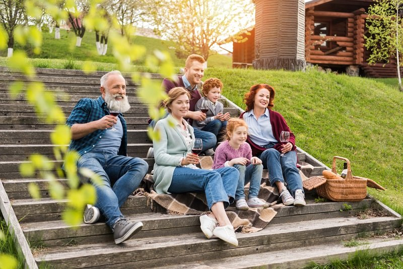дети и пожилые родители
