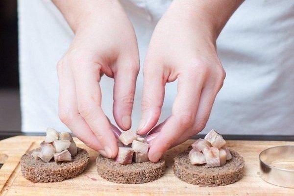 приготовление селедки под шубой