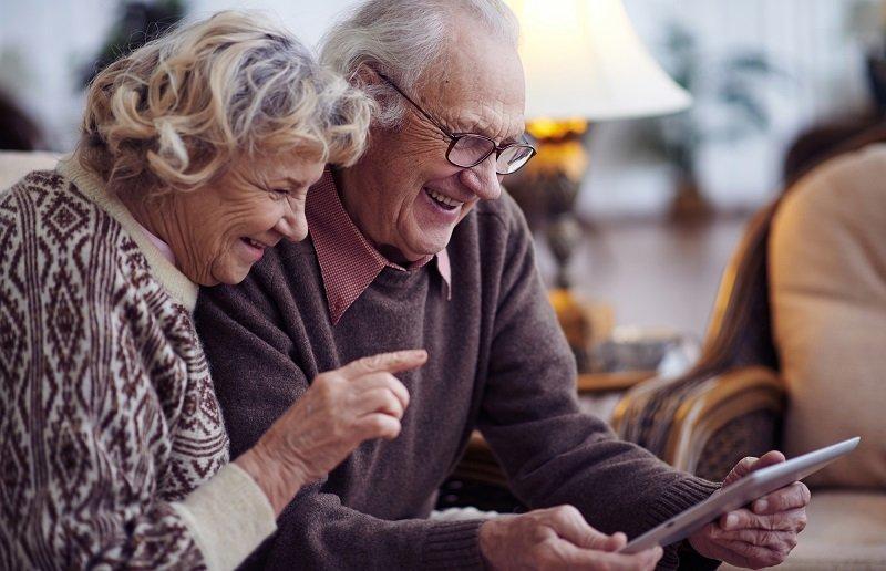 бабушка и дедушка одним словом