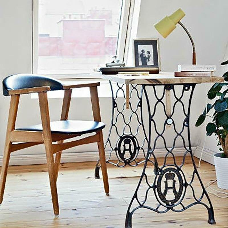 рабочий стол из старой швейной машинки