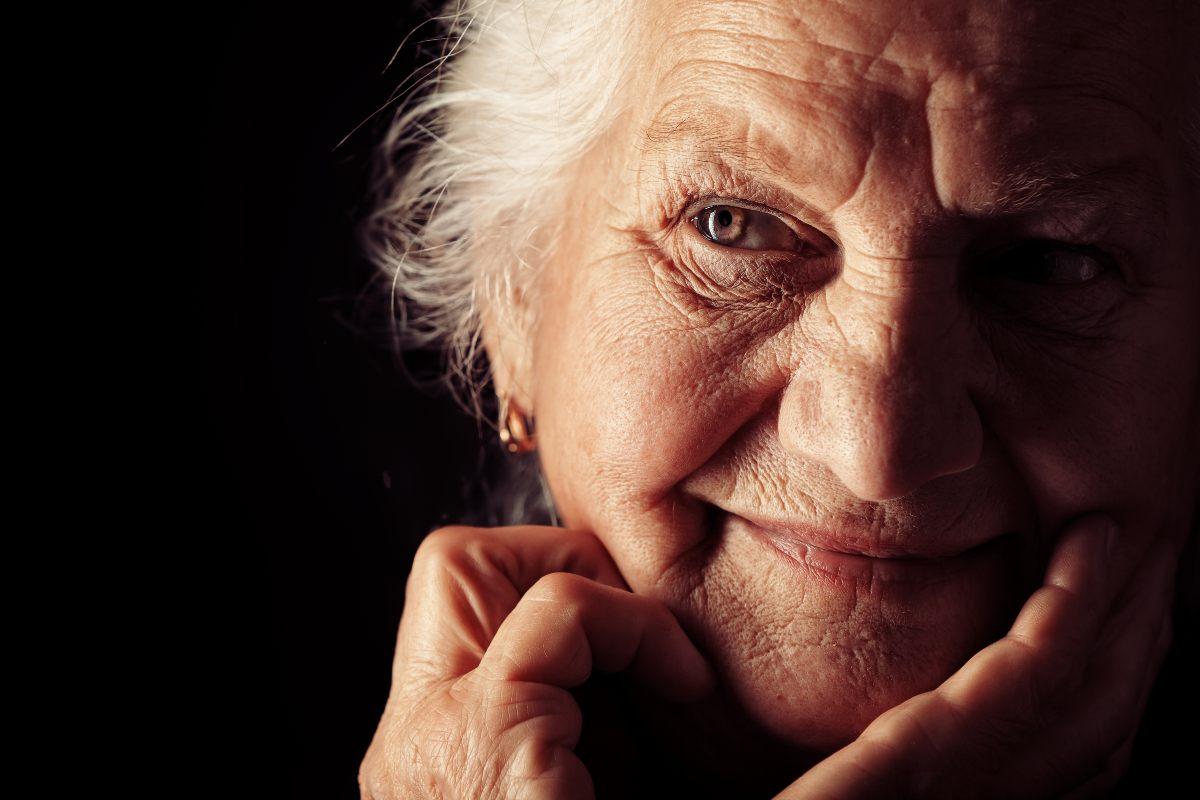 сильная бабушка