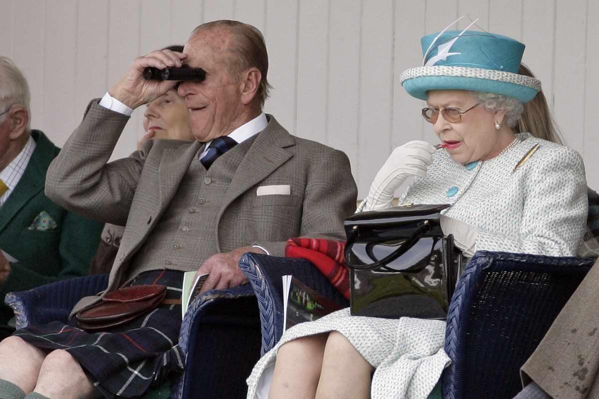 сколько лет королеве