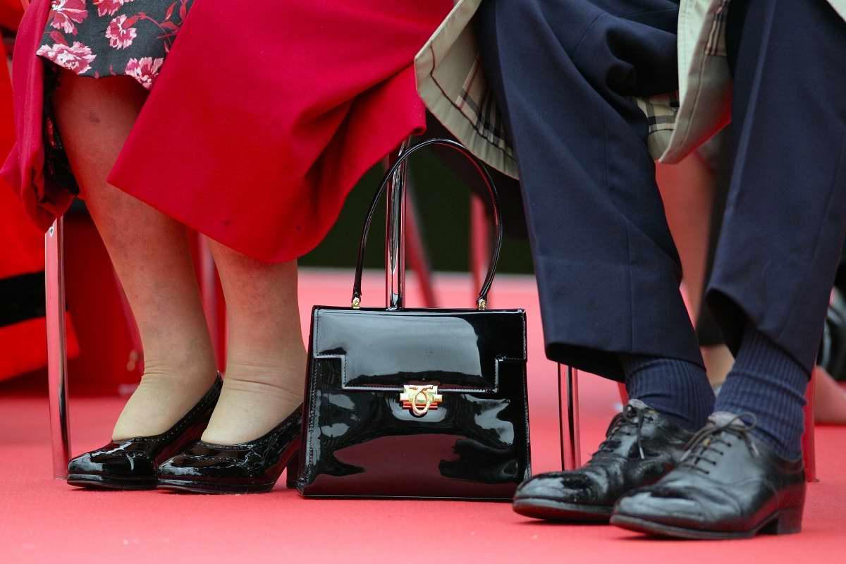 сумочка королевы Елизаветы
