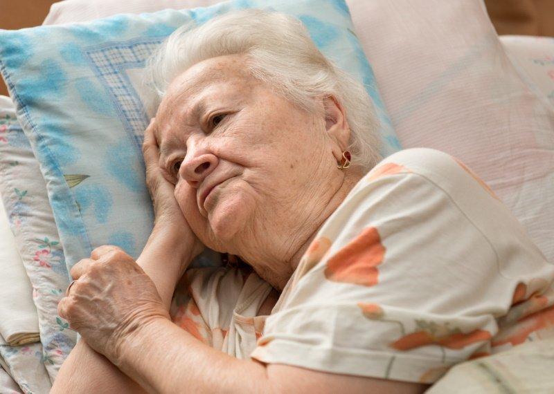 сколько нужно спать взрослому