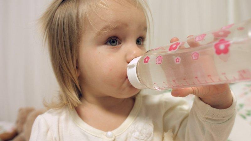 сколько можно пить воды детям