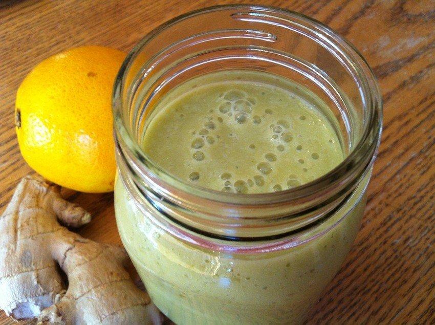 Эффективное оружие против простуды! Этот смузи с апельсином и имбирем — настоящая витаминная бомба.