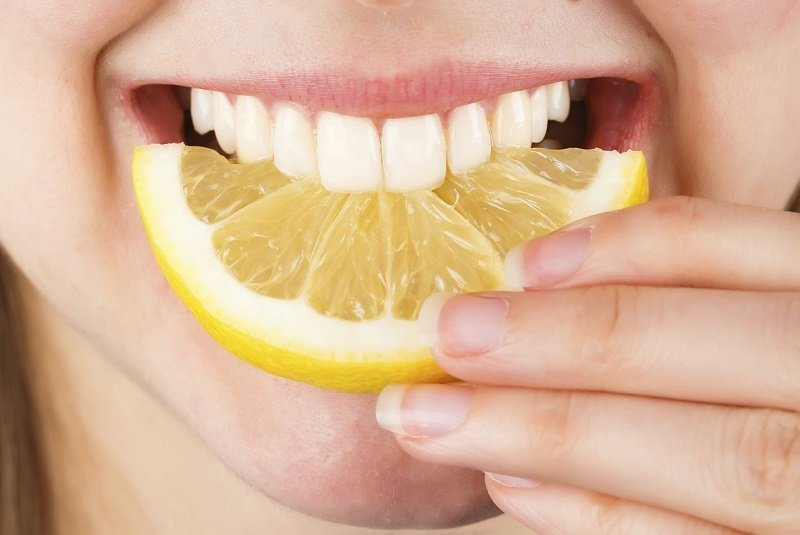 сода с лимоном и водой