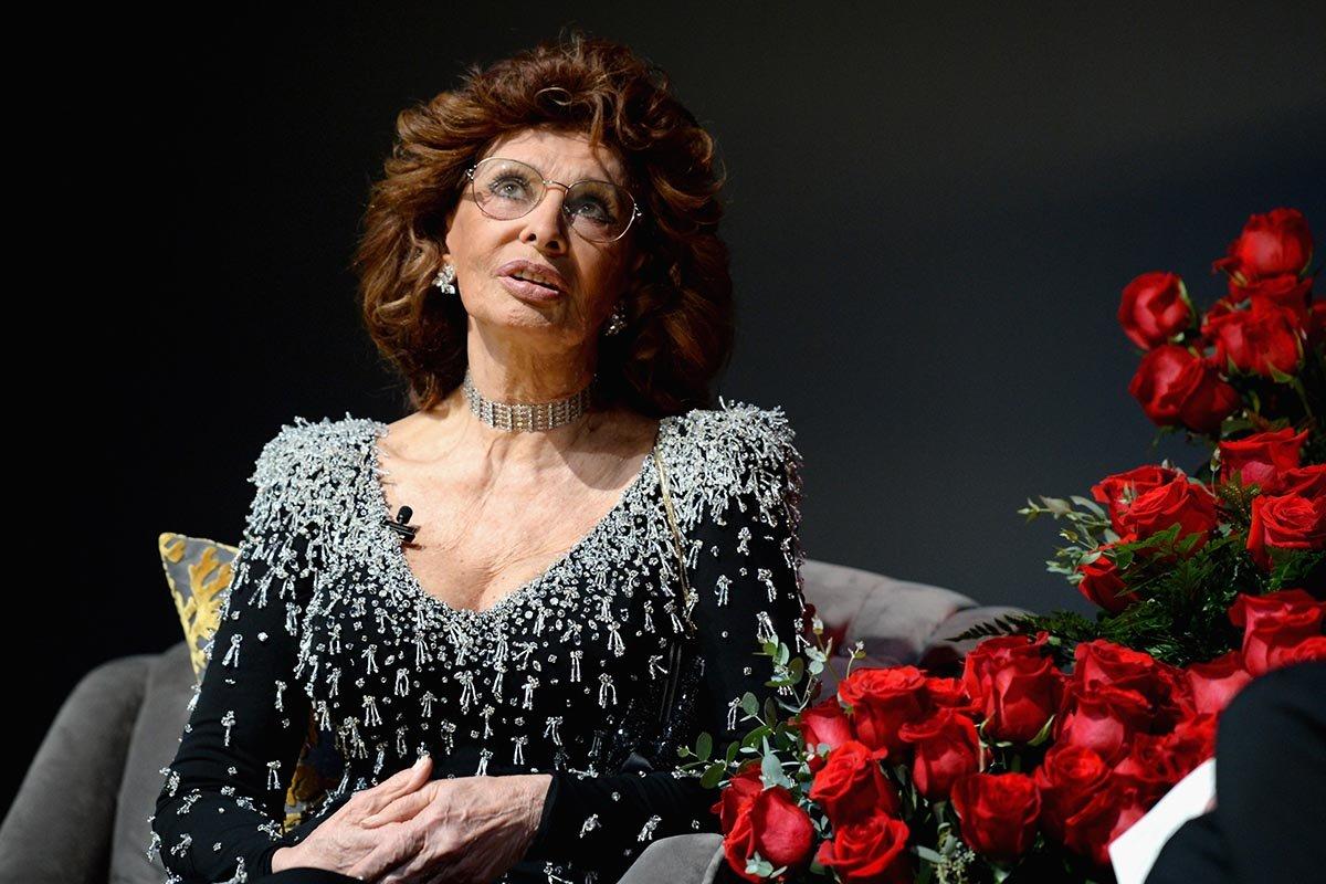 Как себя чувствует в свои восемьдесят шесть Софи Лорен, самая красивая женщина Италии Вдохновение,Актрисы,Карьера,Кинематограф,Кино,Красота,Премия,Признание,Профессионализм,Режиссер,Фильмы