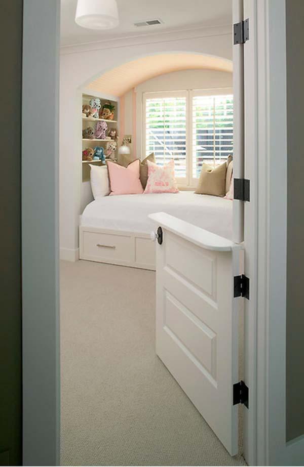 дверь для малыша