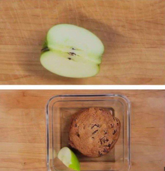 яблоко и печенье
