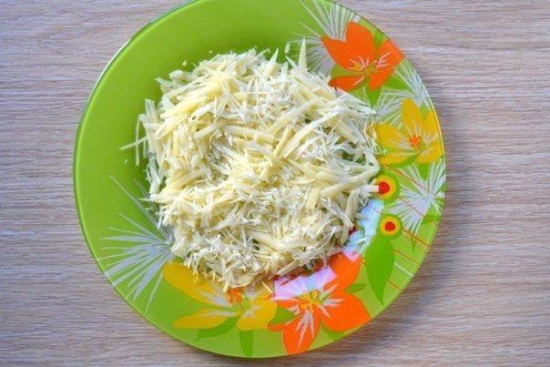 сыр в тарелке