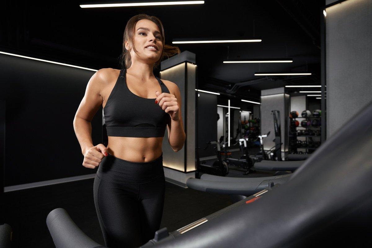 как правильно выбрать спортивную одежду