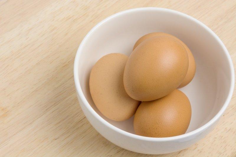 Какая досада! 8 ошибок в приготовлении яиц, которыми грешат все (даже яичницу легко испортить).