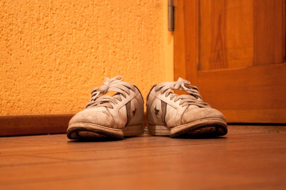 средство для защиты белой обуви