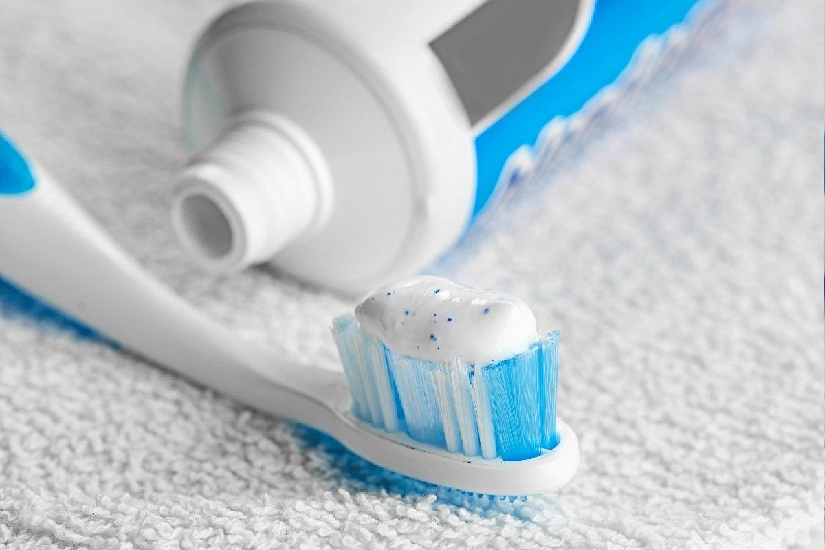 средство для чистки белой обуви