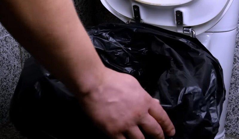 безопасное средство для чистки унитаза