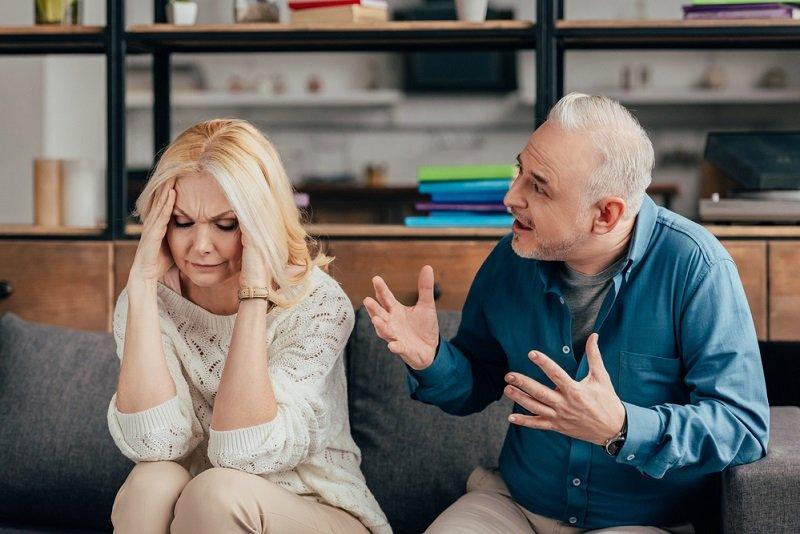 муж кричит на жену жена на ребенка