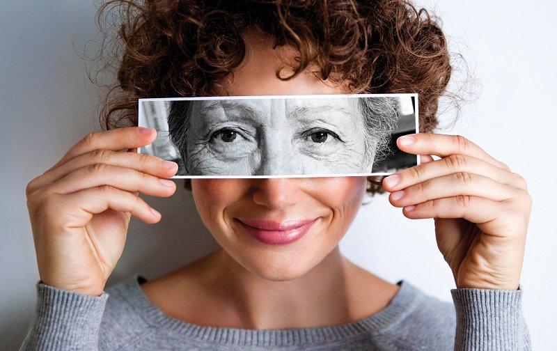 преждевременное старение женщины