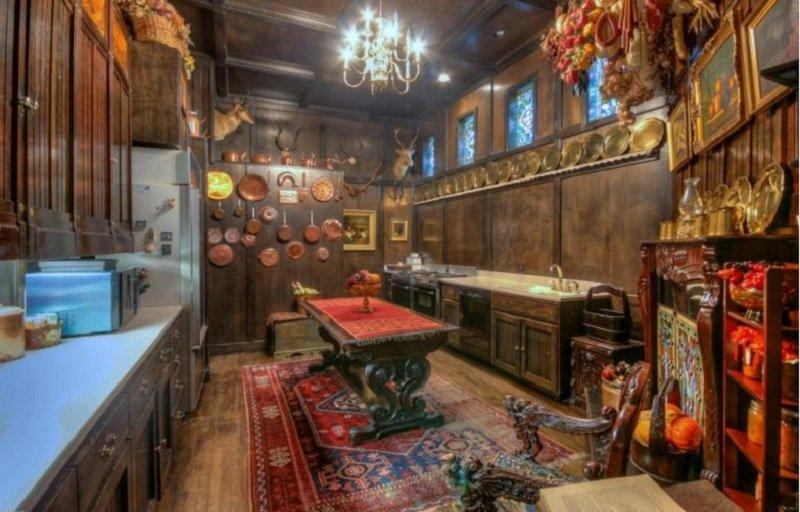 старинный интерьер кухни