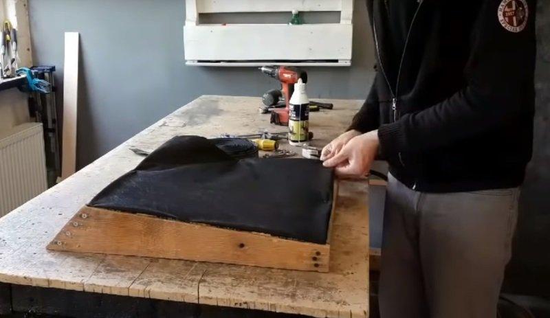 отреставрировать старое кресло