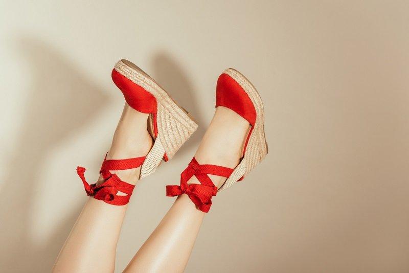 босоножки на высоком каблуке и платформе