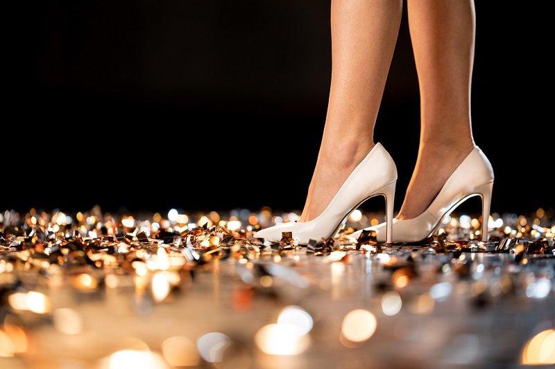 телесные туфли на каблуке фото